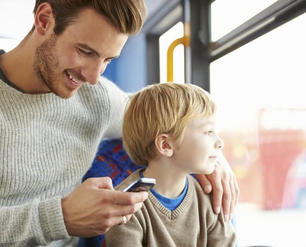 pai-smartphone-filho