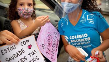Drive Thru encerra celebração da 'Semana da Criança' no Colégio Anchieta